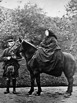 Queen_Victoria,_photographed_by_George_Washington_Wilson_(1863)